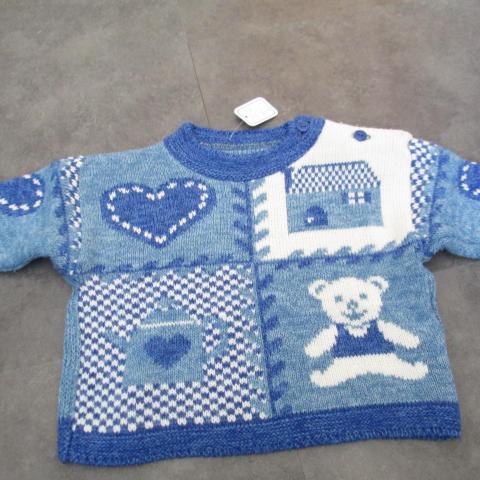 troc de  Pull 3 mois bleu et blanc laine attache côté 3 noisettes, sur mytroc