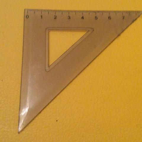 troc de  Réserve Sebastien Équerre en plastique 8 cm des années 90, sur mytroc