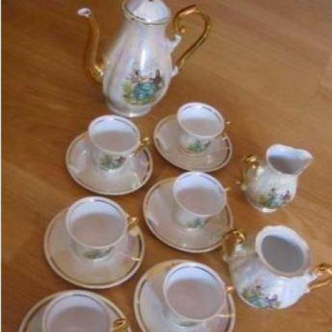troc de  Service à thé/ café porcelaine, sur mytroc