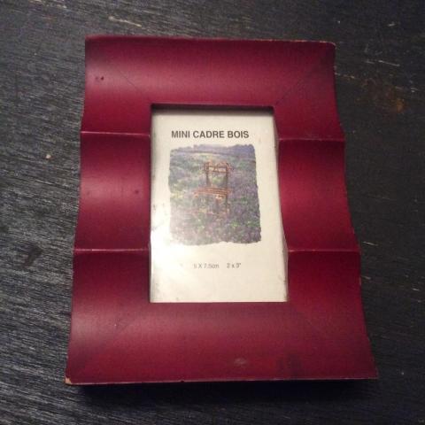 troc de  Mini cadre bois 5 cm sur 7,5cm des années 90, sur mytroc