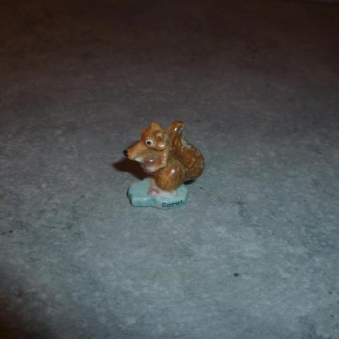 troc de  Lot de 2 fèves - Antartique et personnage, sur mytroc