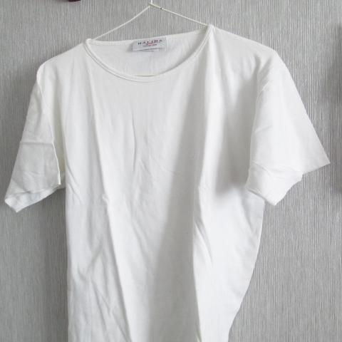 troc de  Tee shirt  blanc    balina taille 38 petit dessin 5 noisettes, sur mytroc