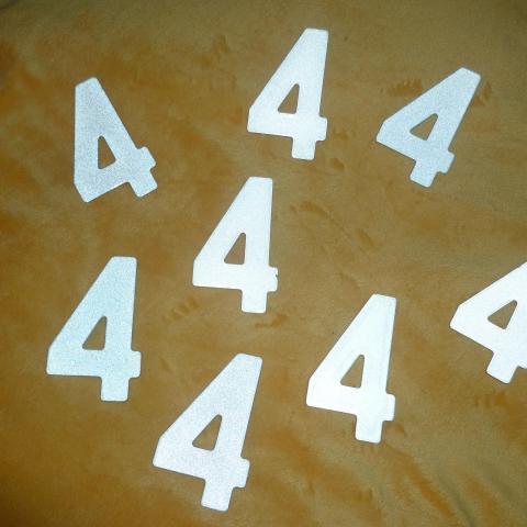 troc de  RESERVE - Chiffre métallique - Numéro 4, sur mytroc