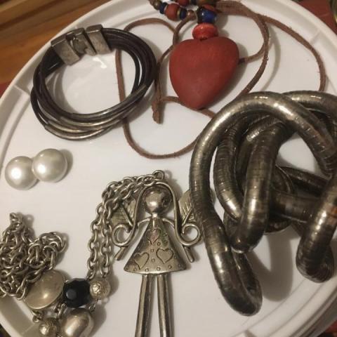 troc de  Reservé FIDJY bijoux fantaisie, sur mytroc