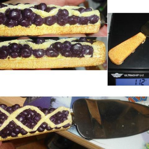 """troc de  PELLE à GÂTEAUX MANCHE 3 D """"tarte au cassis"""" / Stainless steel, sur mytroc"""