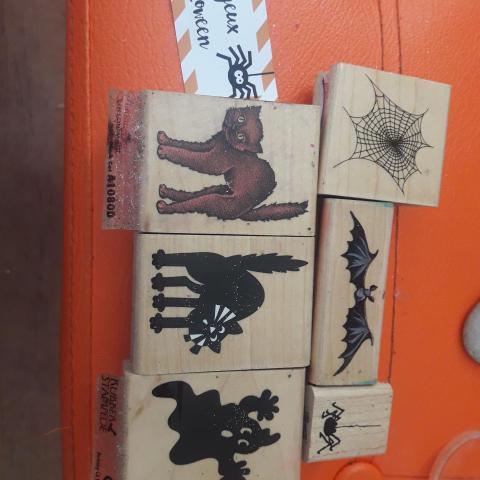 troc de  Lot tampons bois thème Halloween, sur mytroc