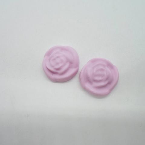 troc de  2 petits cabochons rose en fimo en forme de fleur, sur mytroc