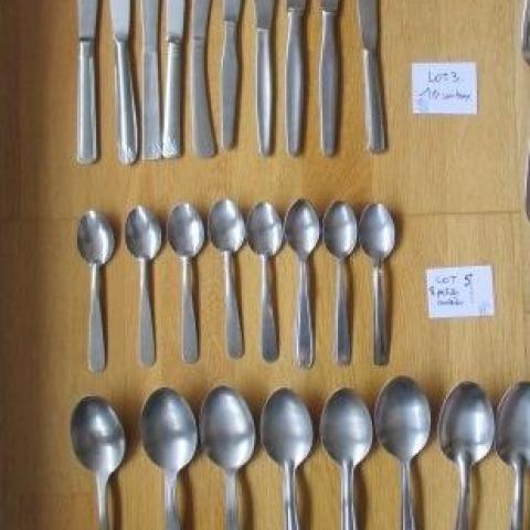 troc de  Lot de 27 couverts couteaux fourchettes, sur mytroc