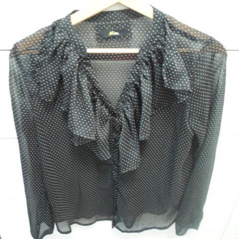 troc de  Chemise à volants noir à pois blancs, sur mytroc