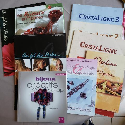 troc de  Bijoux en perles livres réservé Chrisr, sur mytroc