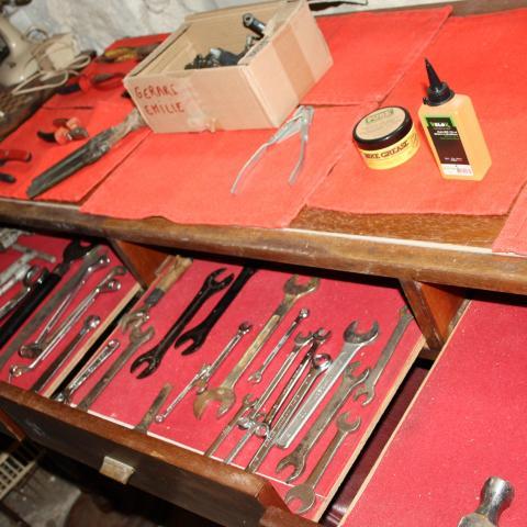 troc de  Je cherche tous types d'outils, sur mytroc