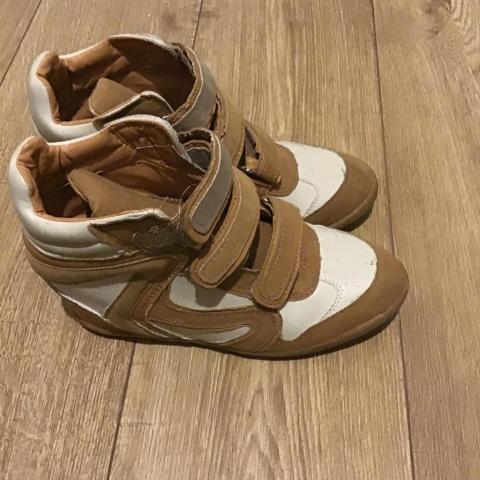 troc de  Superbe chaussure compensée taille 39, sur mytroc