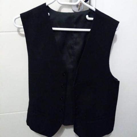 troc de  Gilet costume noir, sur mytroc