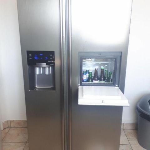 troc de  donne un réfrigérateur américain en état fonctionnel, sur mytroc