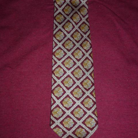 troc de  Cravate MCM neuve (made in Italy), sur mytroc