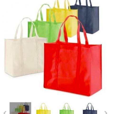 troc de  CHERCHE sac cabas courses supermarche avec anses, sur mytroc