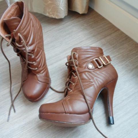 troc de  * Chaussure marron à plateforme taille 37, sur mytroc
