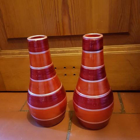 troc de  Lot de deux vases rouge et or, sur mytroc