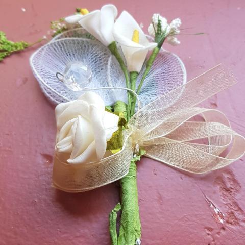 troc de  Reservé troqueuseDon multitroc Fleurs artificielle, sur mytroc