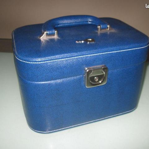 troc de  recherche vanity bleu simi cuire, sur mytroc