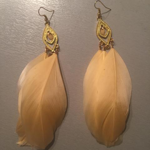 troc de  Boucles d'oreilles plume, sur mytroc