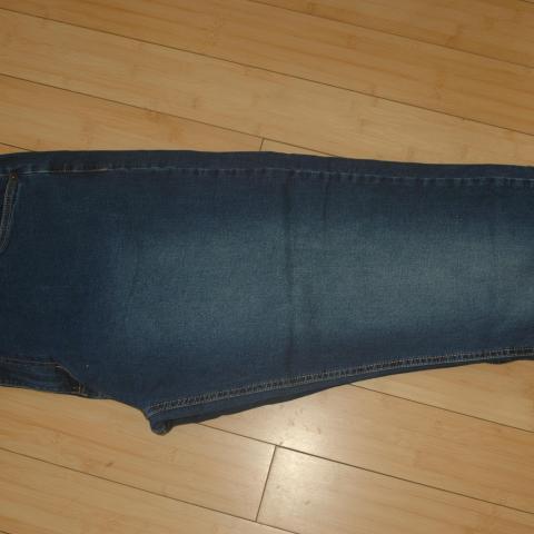 troc de  jean homme taille 56, sur mytroc