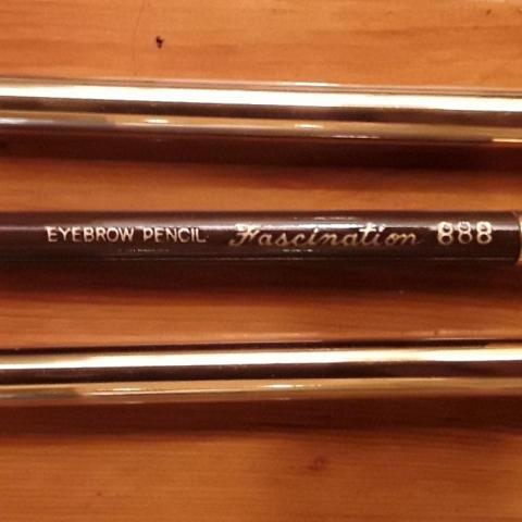 troc de  Crayon maquillage marron, sur mytroc