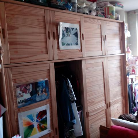 troc de  grande armoire avec portes coulissantes, sur mytroc