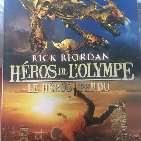 troc de  Livre Hero de l'Olympe , Le héros perdu de Rick Riordan, sur mytroc