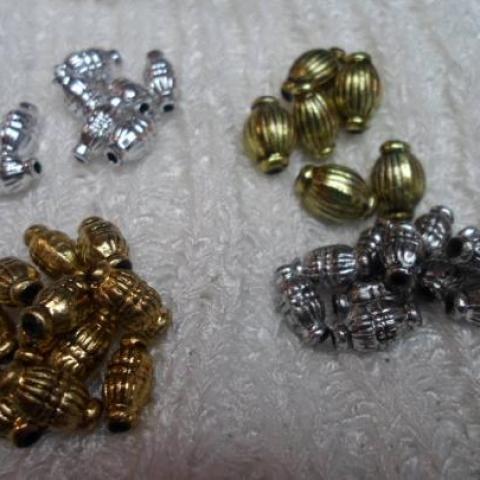 troc de  * Lot de perles olives argentées et dorées, sur mytroc