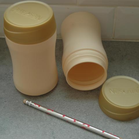 troc de  Boites plastique couvercle à vis, sur mytroc