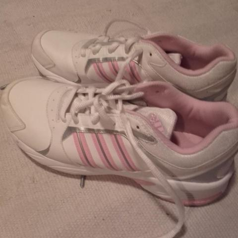 troc de  Paire de tennis Adidas, sur mytroc