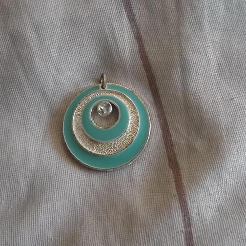 troc de  pendentif argenté, sur mytroc
