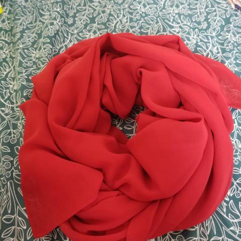 troc de  Foulard rouge., sur mytroc