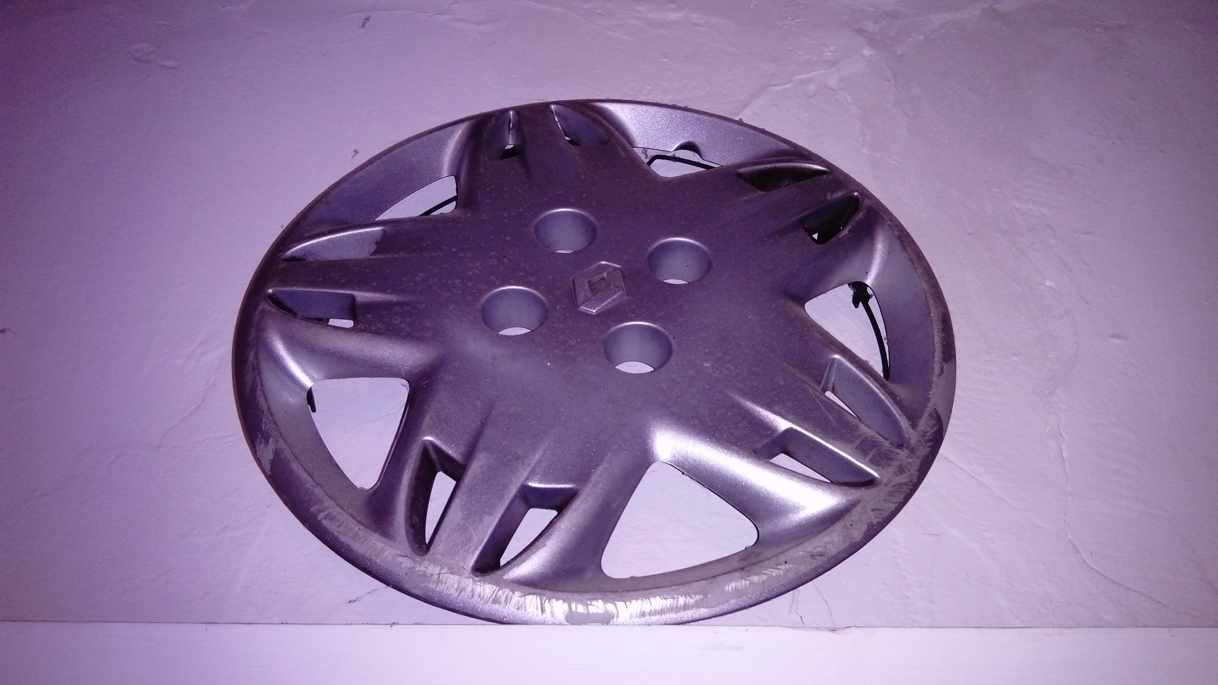 troc de troc enjoliveur pour roue de marque renault image 0