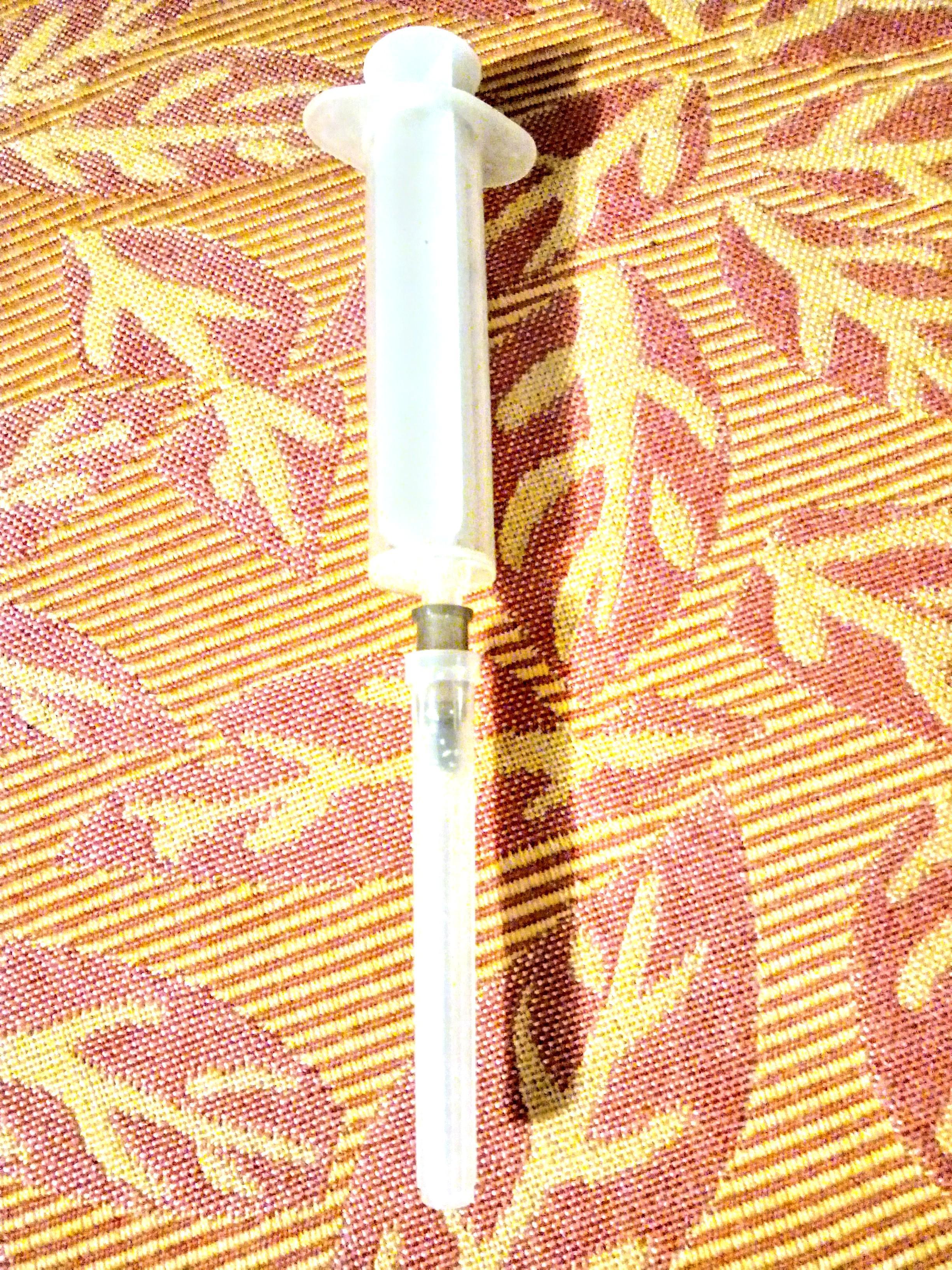 troc de troc seringue avec aiguille image 1