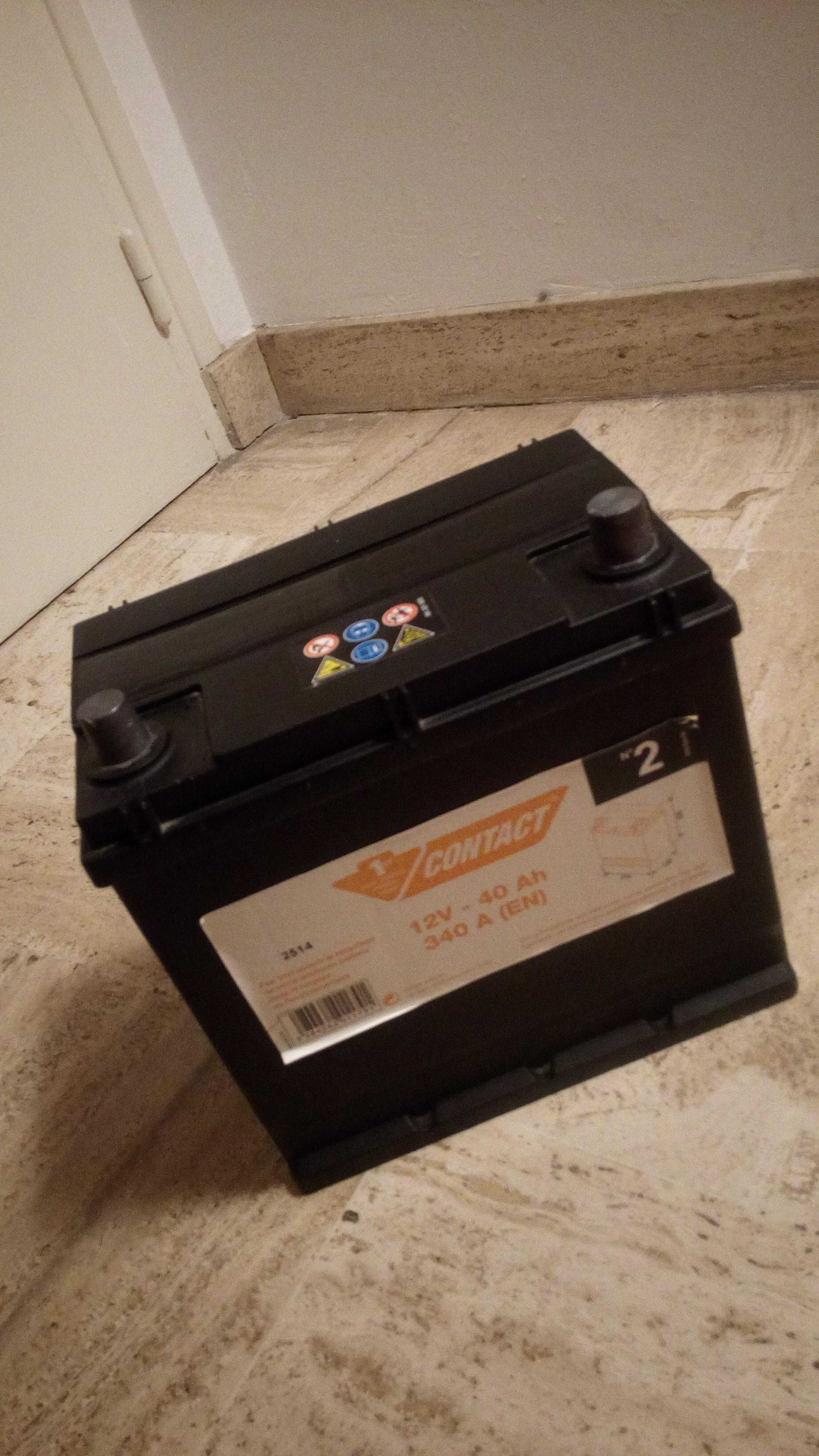 troc de troc batterie 12v-40ah 340a (en) contact feu vert n°2 image 0