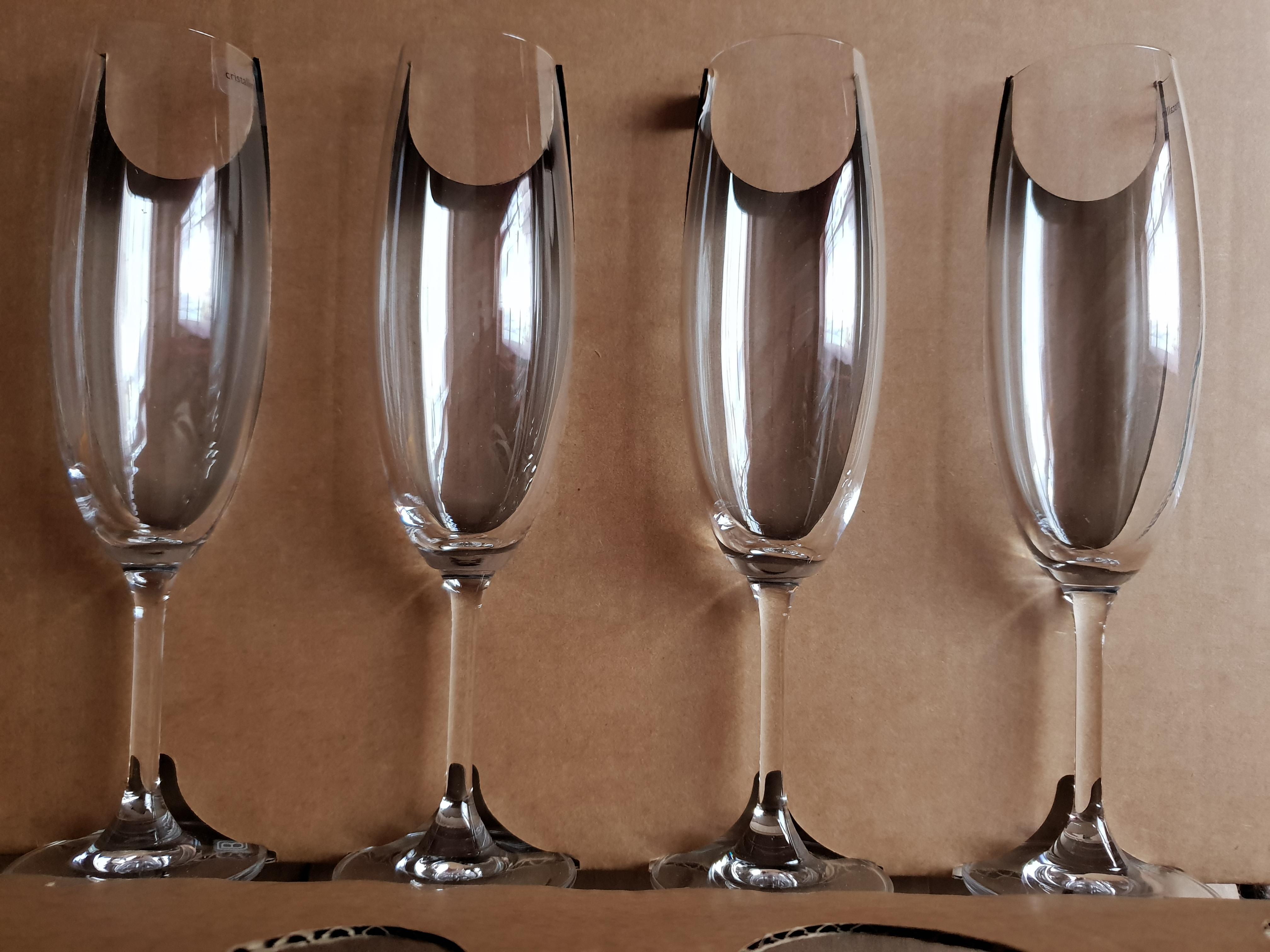 troc de troc **réservé** 4 flutes à champagne neuves image 0