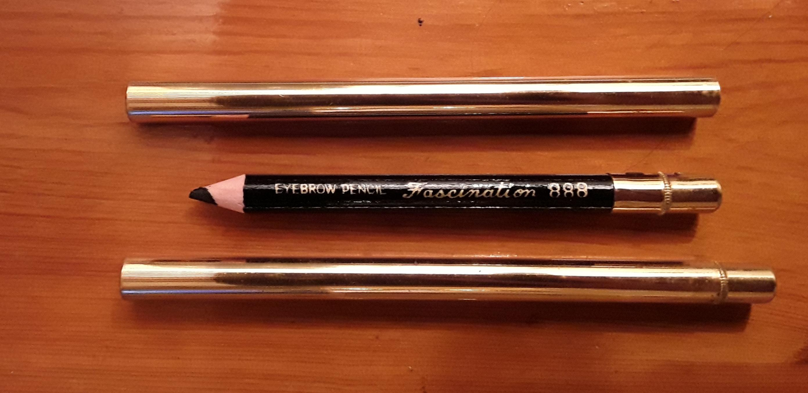 troc de troc crayon maquillage noir image 0