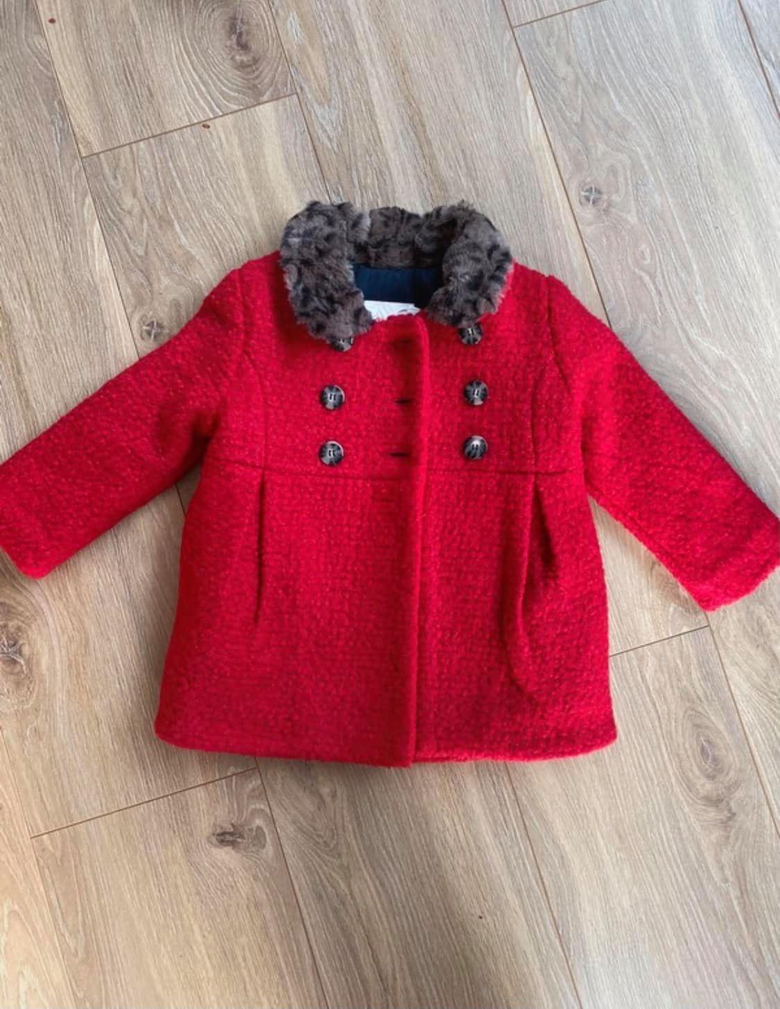 troc de troc manteau rouge catimini , 12 mois image 0