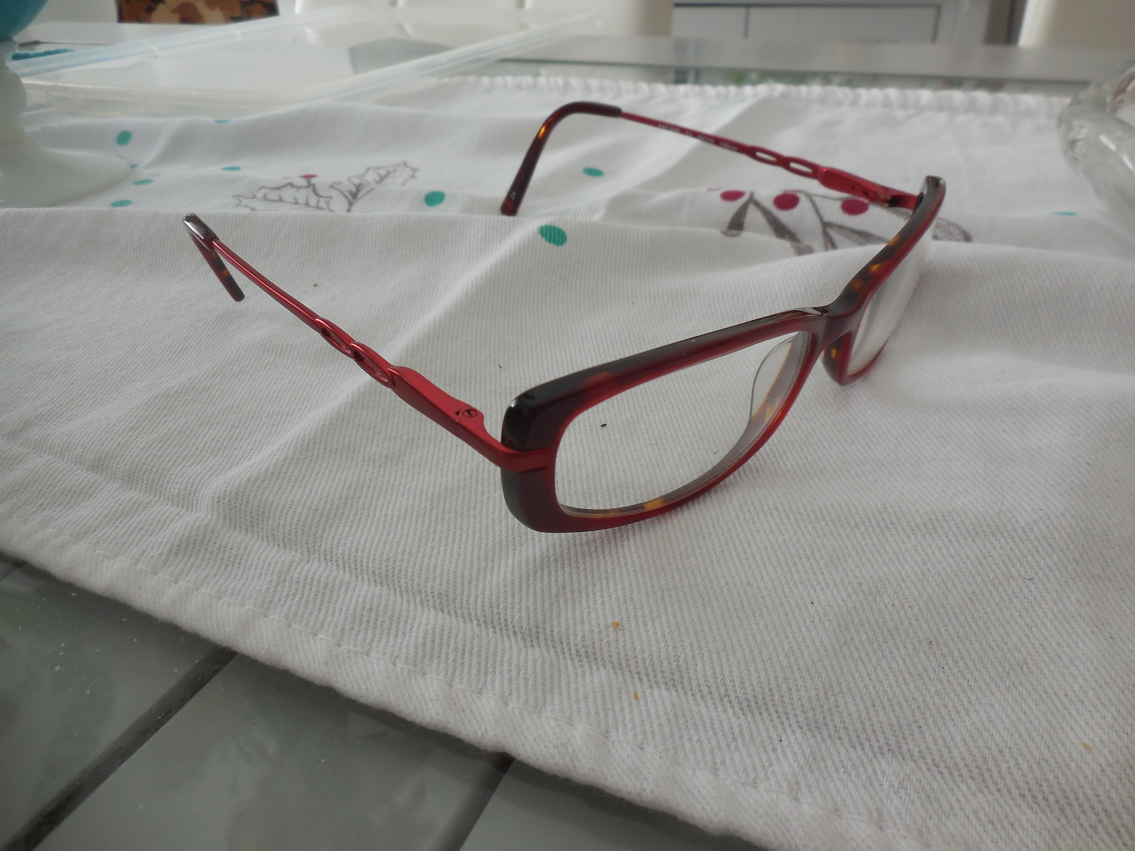 troc de troc lunettes femme + etui image 0