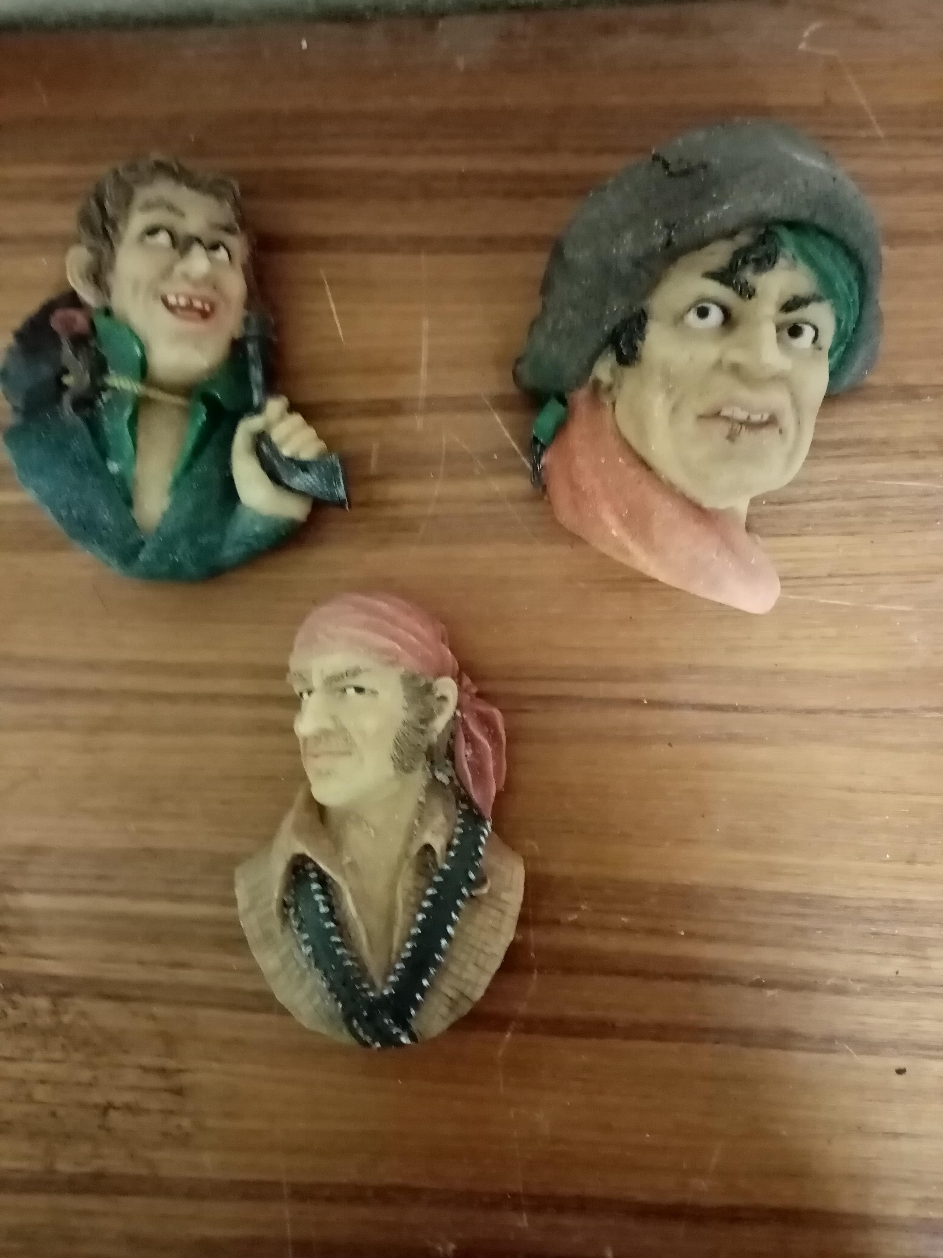 troc de troc lot de figurine pirates image 0
