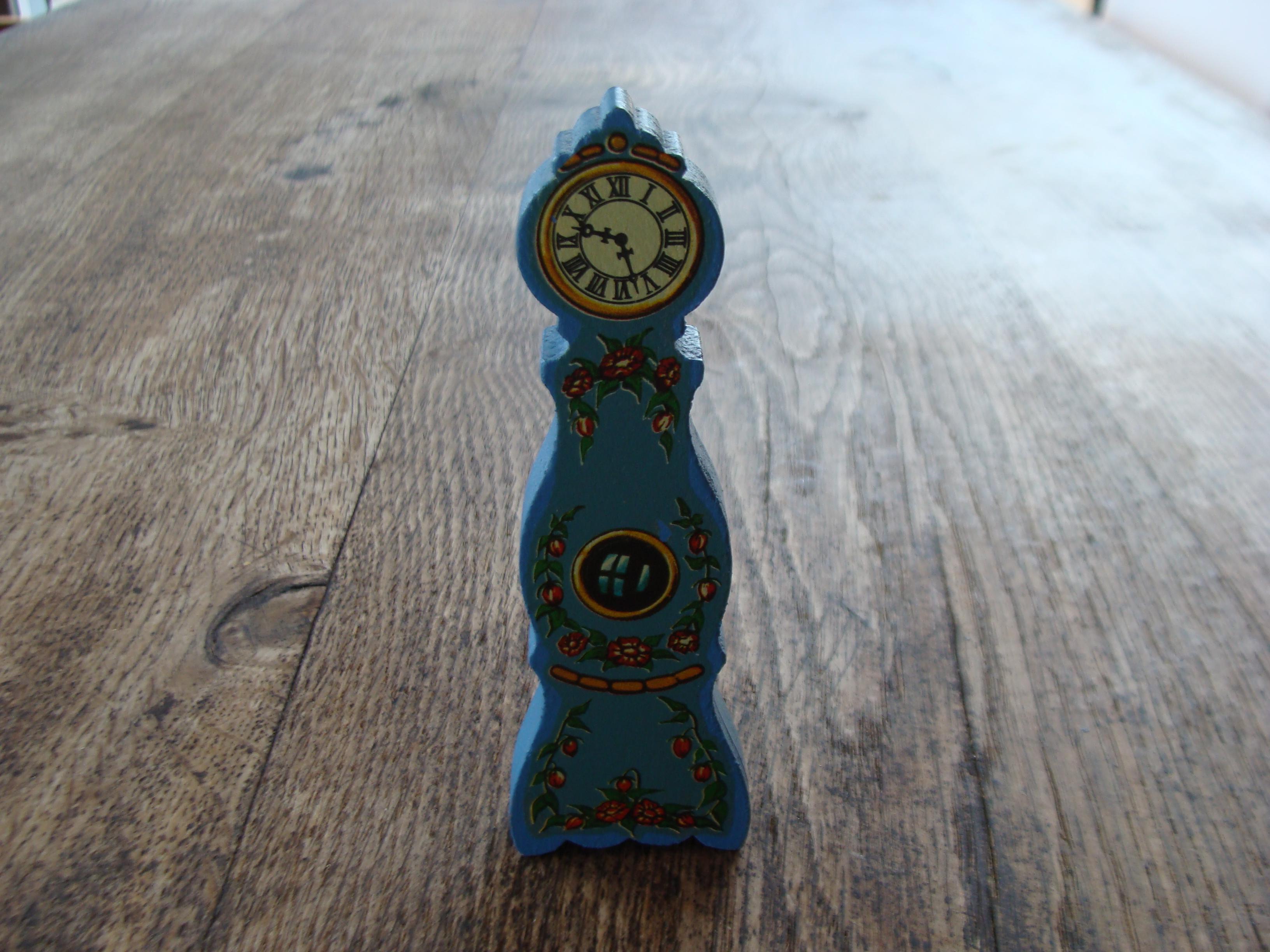 troc de troc horloge maison de poupée image 0