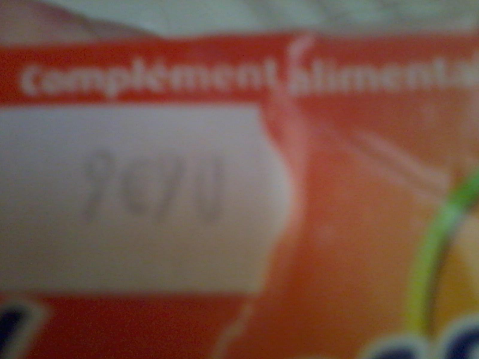 troc de troc reservees vava  flacon multis vitamines..manque 1 compr image 2