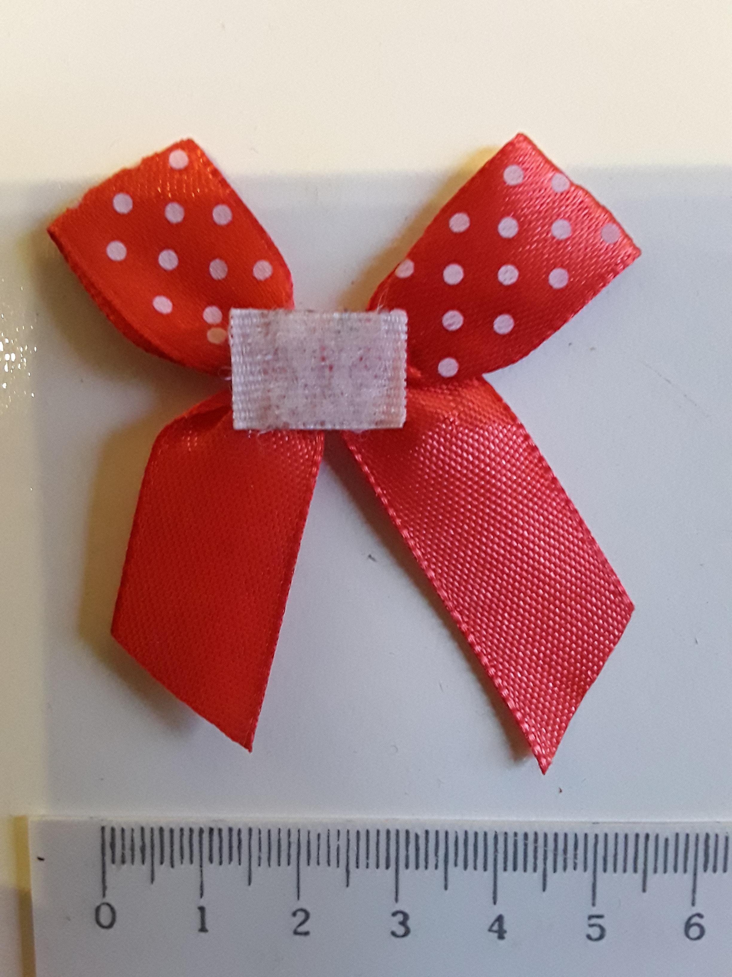 troc de troc petit noeud rouge en tissu image 1