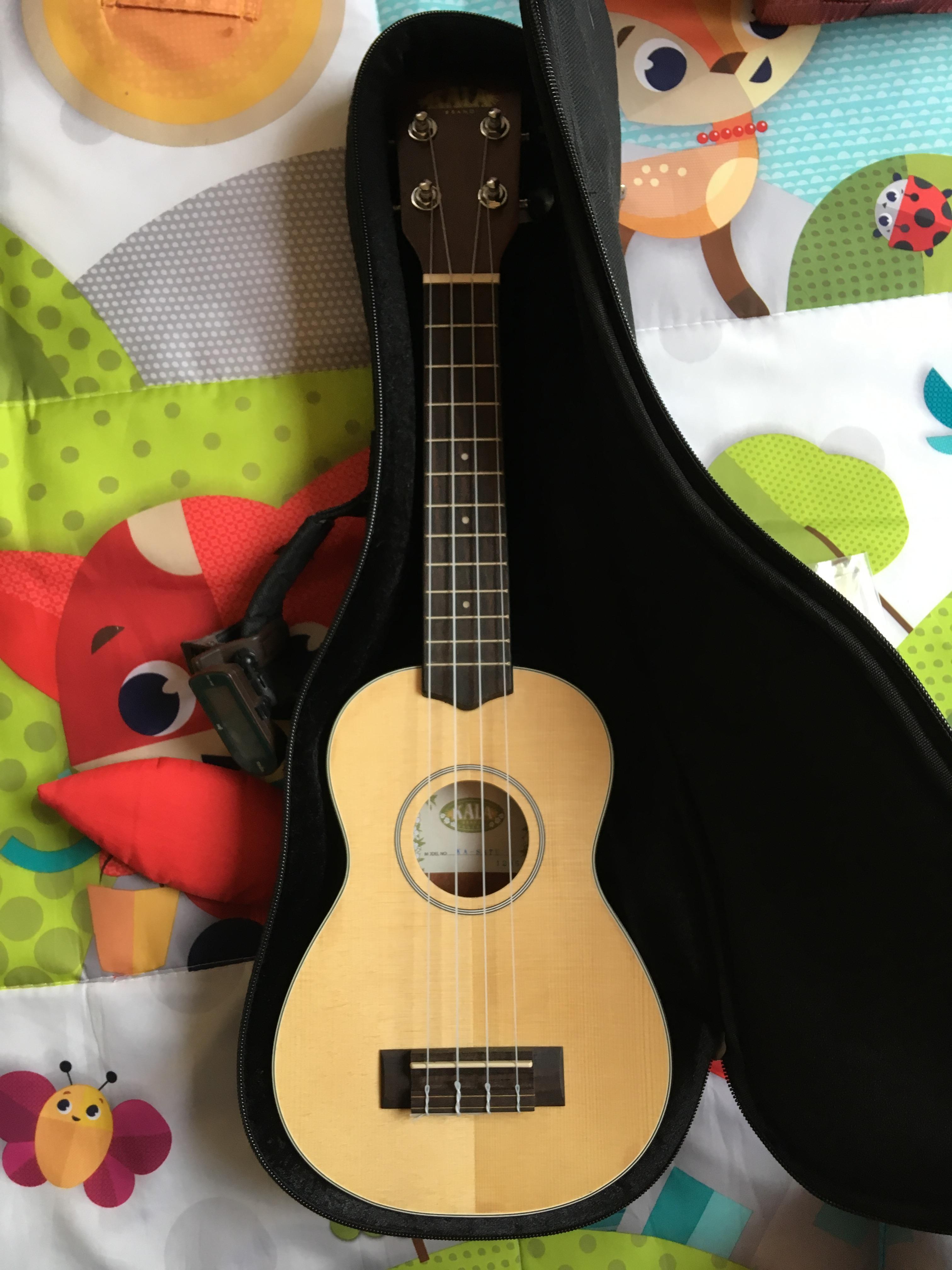 troc de troc prêt pour un ukulele image 0