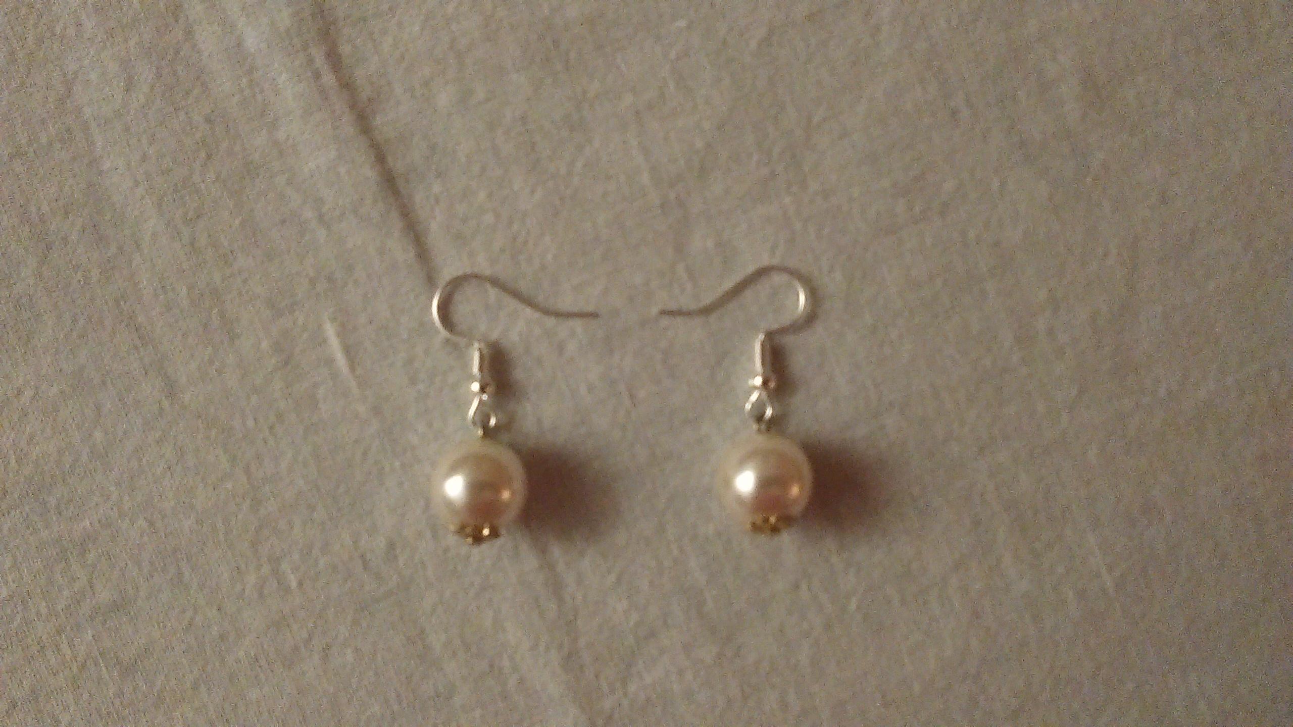 troc de troc b.o. perles blanches. image 0