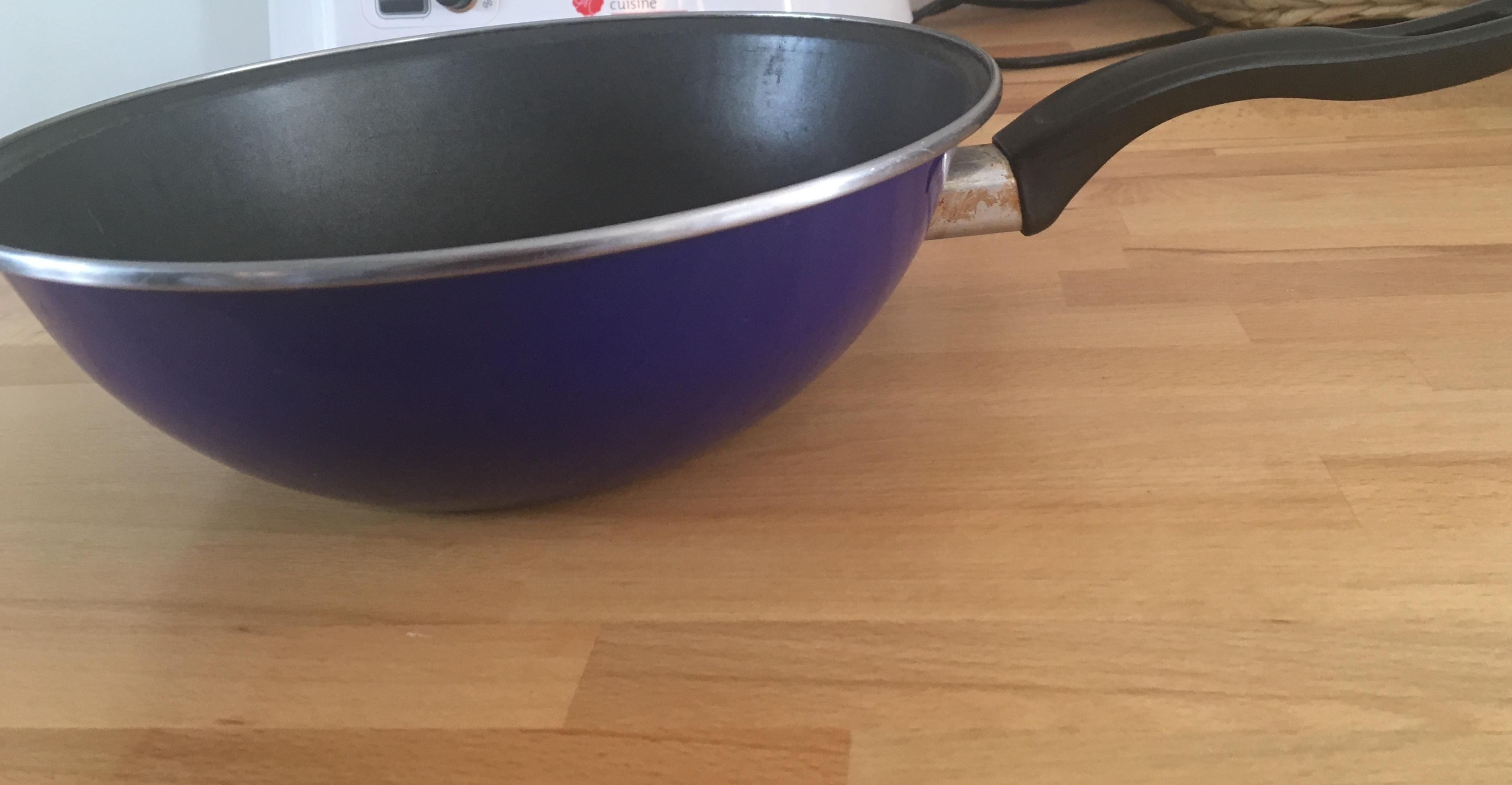 troc de troc wok revêtement teflon image 0