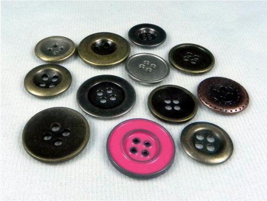 troc de troc recherche lot de boutons en métal image 0