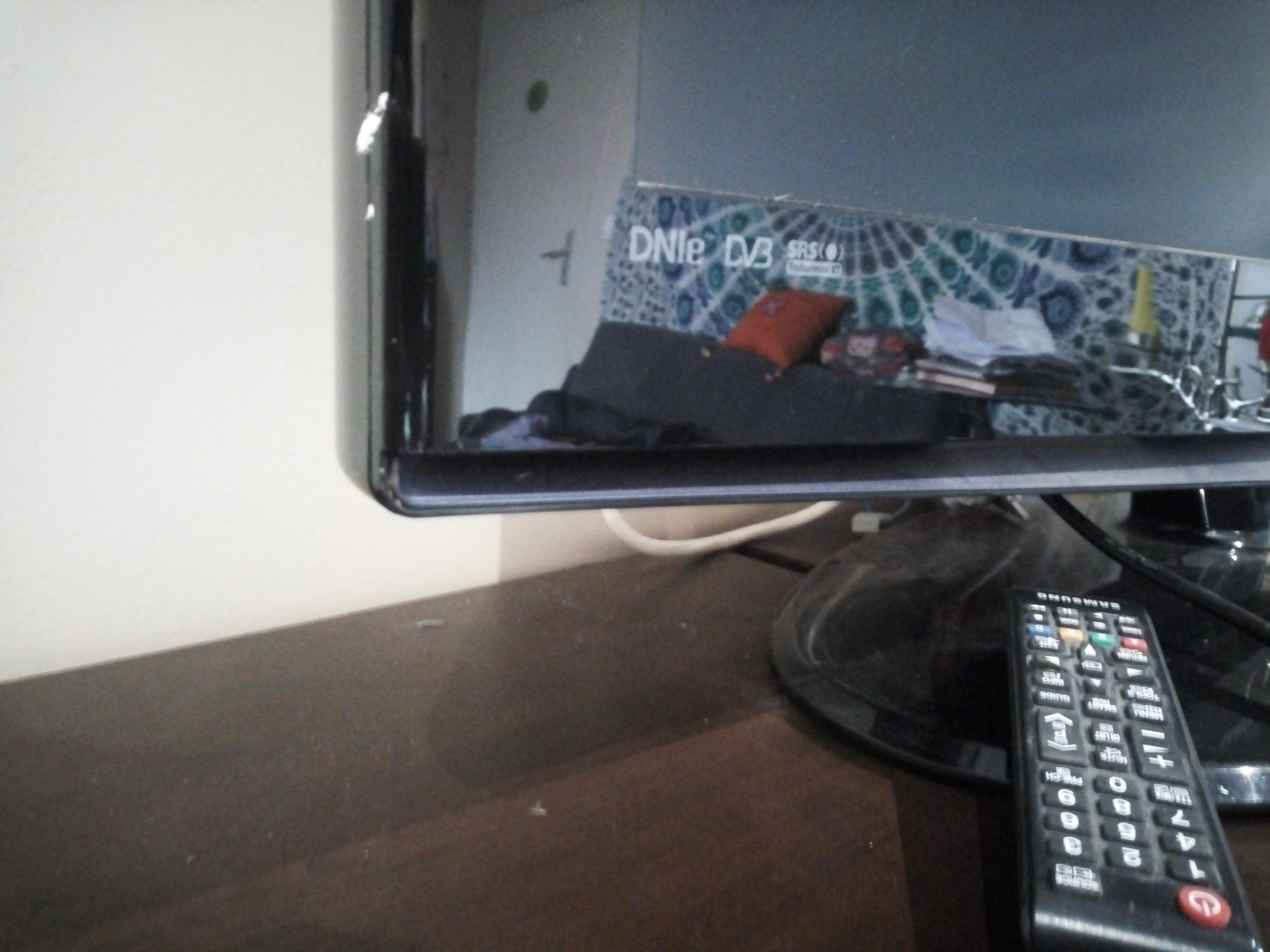 troc de troc tv samsun en très bon état, fonctionne parfaitement image 1